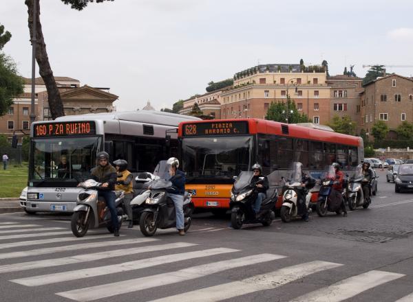 Bussen en trams in Rome